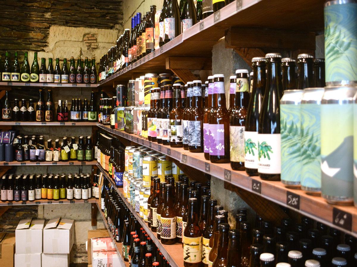 https://donaldspub-angers.fr/wp-content/uploads/2018/08/cave_craft_beer_shop_1200x900.jpg